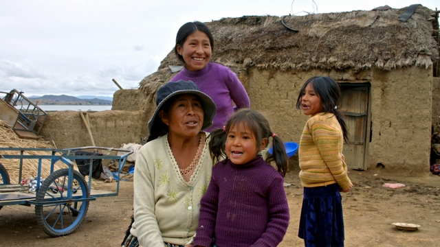 Superfood Chain Bolivian family
