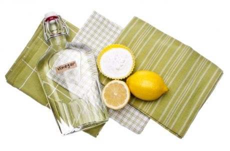 dishcloths, lemon, vinegar, baking soda