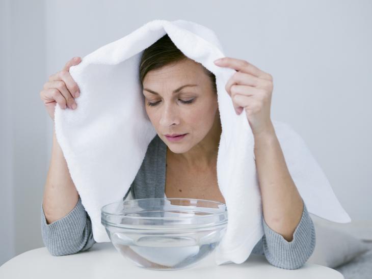 Image result for inhalar con toalla en la cabeza y difusor